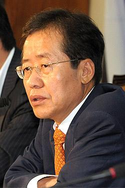 """홍준표 """"주가조작 재벌2.3세 무기징역"""" 강한 질타"""