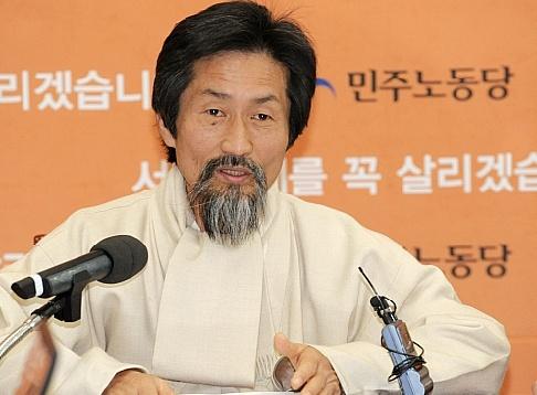 """민노, 對北 삐라 살포 """"정부 방조 의혹 제기"""""""