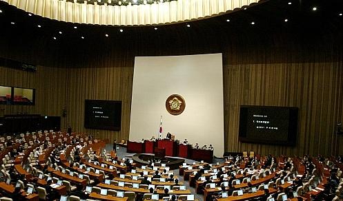 한나라 `오늘 단독 개회' 강행 vs 민주 `강력 반발'