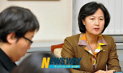 추미애, `복수노조·전임자 다자협의체' 구성 제안