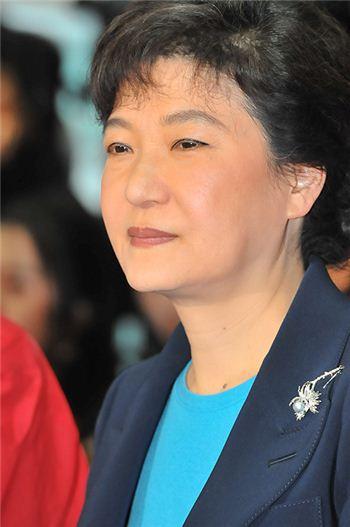 """박근혜 """"대기업 변화해야"""" 재벌개혁 가이드라인 선포?"""