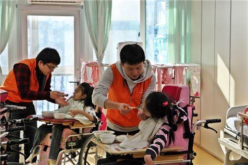 """한화손보 """"새내기 사원 사회 첫 출발은 봉사활동으로"""""""