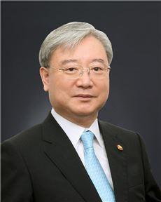 김석동 금융위원장 카자흐 금융당국과 협력체결차 출국