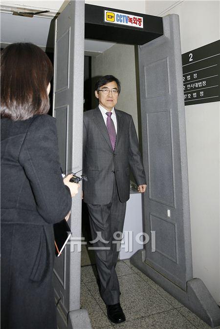 법정 나서는 삼성측 윤재윤 변호사
