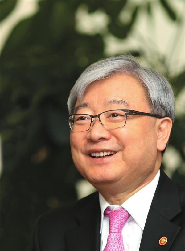 김석동 금융위원장의 아름다운 퇴장…신선한 공직像