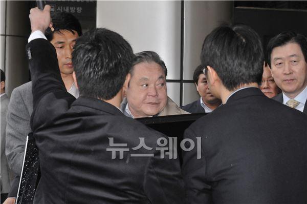 """이건희 회장 """"삼성, 열심히 뛰겠다"""""""
