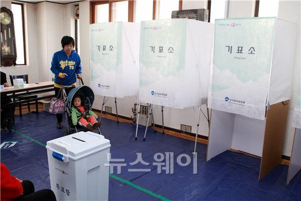 """""""4.24재보궐선거""""아이와 함께 투표합니다"""