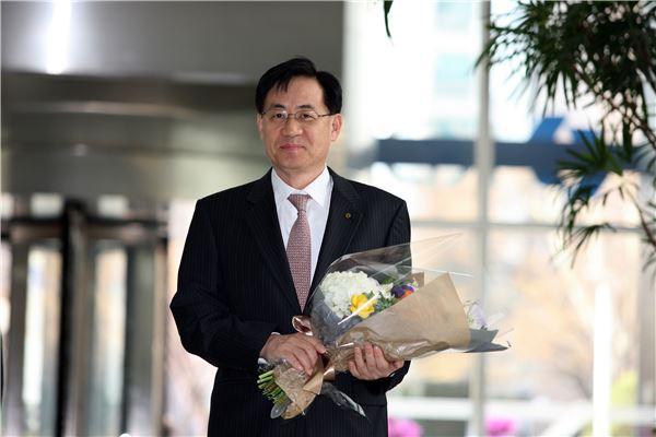 정책금융 '洪의 마법' 개봉박두