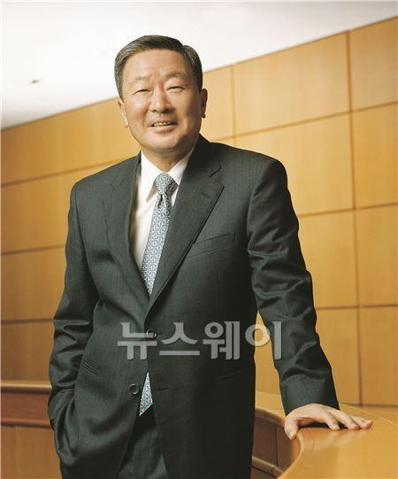 """구본무 LG 회장 """"열린 생각으로 세상을 보라"""""""