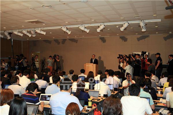 윤영두 아시아나 사장 기자회견