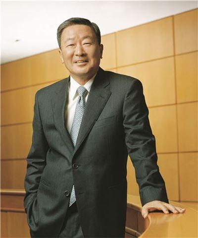LG 구본무 회장,  귀국 후 첫 일정으로 7월 임원세미나 참석
