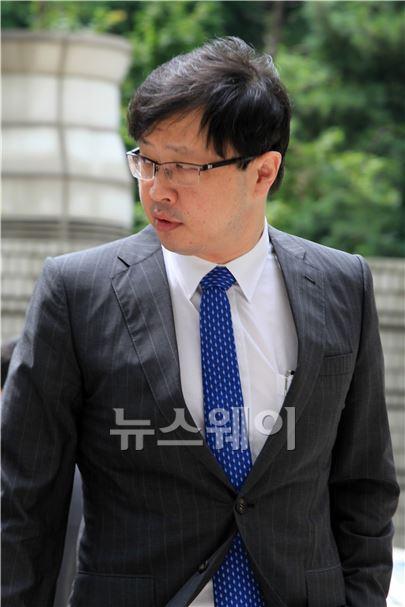 공판 참석하는 최재원 SK 부회장