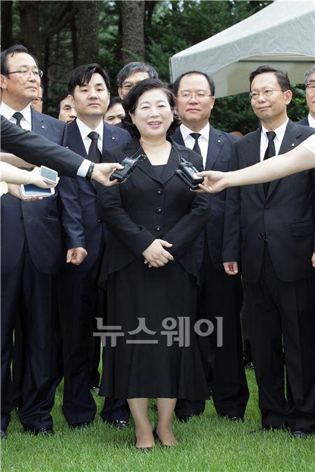현정은 현대그룹 회장, 故 정몽헌 추모 행사 참석