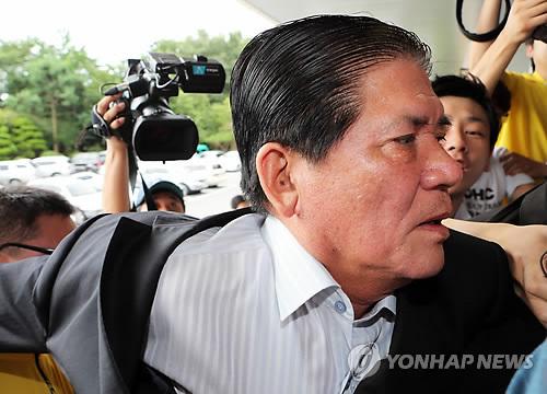 檢, '인사비리' 혐의 김호수 부안군수 구속기소