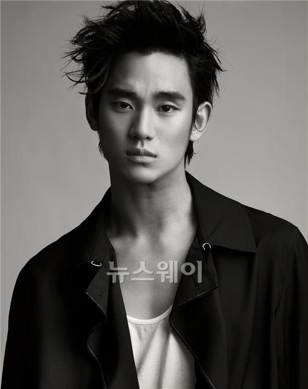 '봉준호의 모든 것', 배우 김수현의 목소리로…