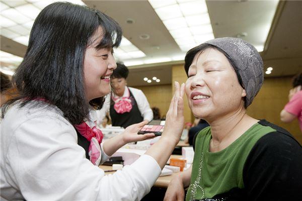 아모레퍼시픽, 핑크리본·희망가게로 사회공헌 앞장