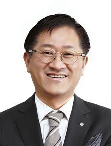 """서경배 아모레 회장 """"아름다움을 창조하는 원대한 기업으로 나아가자"""""""