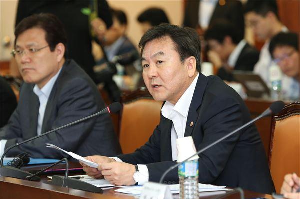 """신제윤 금융위원장 """"채권추심업무 금감원에서 검사"""""""