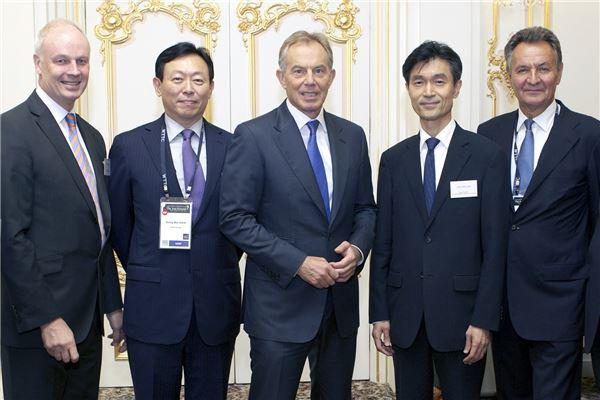 신동빈 회장, 토니 블레어 전 영국 총리 만나다