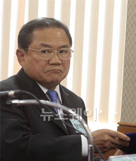 정무위 국감 증인으로 나온 양석승 한국대부금융협회장