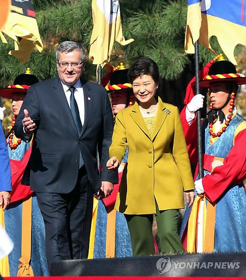 [NW포토]박근혜 대통령-폴란드 대통령 둘이 만나 뭐하나보니···