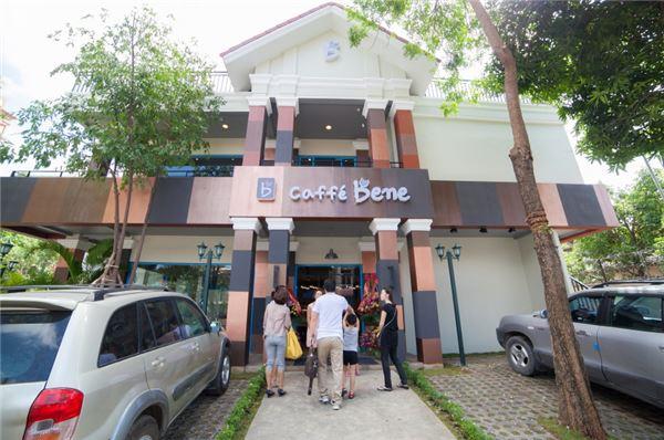 카페베네, 캄보디아·대만 각각 '진출'…현지 1호점 오픈