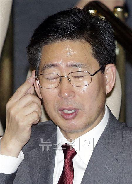 """양승조 의원, """"아! 머리야"""""""