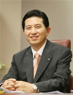 """임영록 KB금융 회장 """"비은행부문 M&A 계속해서 진행"""""""