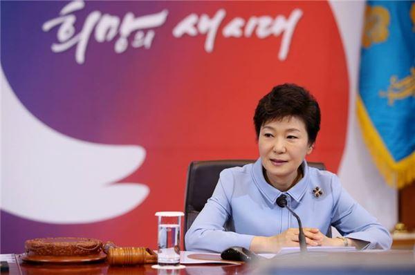 朴대통령 새해 첫 주 지지도 급반등 50%선 돌파