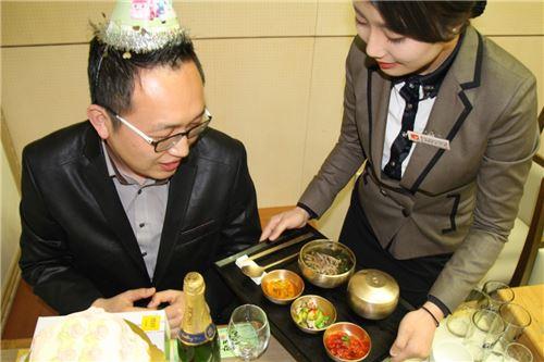 외식업계,  '생일 마케팅' 경쟁 후끈