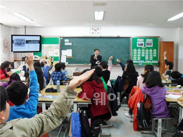 SK건설, '행복한 초록교실' 환경부 인증 획득