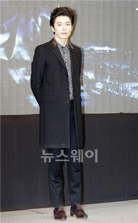 [NW포토]'감격시대' 김재욱, 시크한 표정으로...''