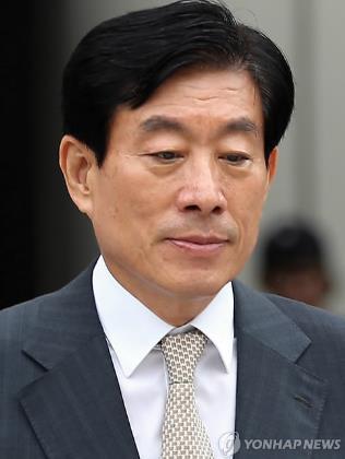 원세훈 전 국정원장, 징역 2년에 추징금 1억6272만원
