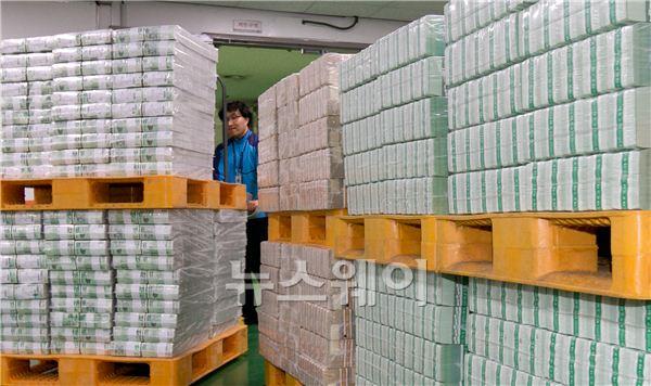 설 자금 방출하는 한국은행