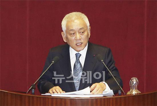 교섭단체 대표연설하는 김한길 대표