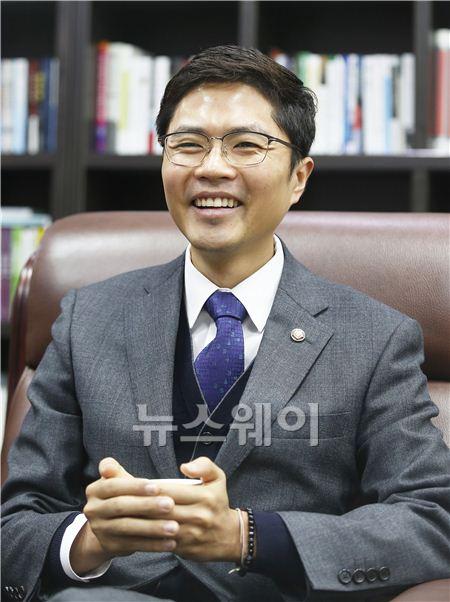 """'4월의 신랑' 김광진 """"프러포즈 방법 알려달라"""""""