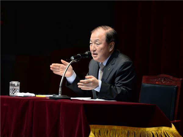 김주하 농협은행장, 전국 지부장들에게 '사통팔달' 주문한 까닭