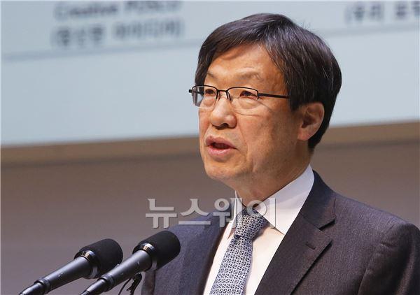 '취임 10일째' 권오준 포스코 회장, 직원 기 살리기 나섰다
