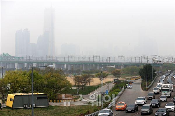 안개 낀 서울의 아침 풍광