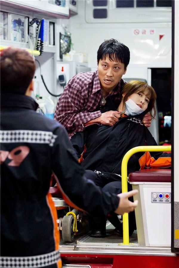 구혜선, '엔젤아이즈' 속 열혈 응급구조사로 강렬한 첫등장