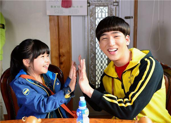 '신의 선물-14일' 납치된 김유빈, 바로와 함께 있는 의문의 현장 스틸컷 포착