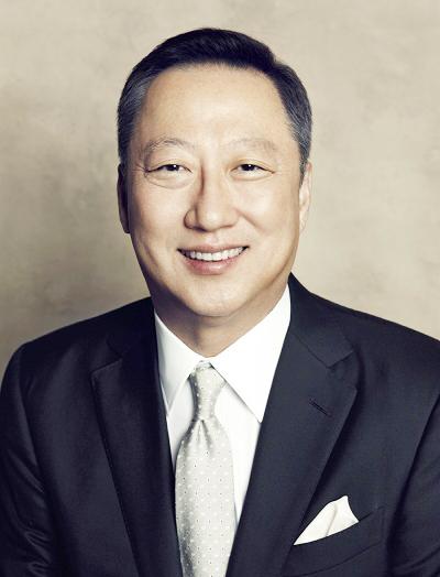 박용만 두산그룹 회장, 세월호 사고 유가족 위해 30억원 전달