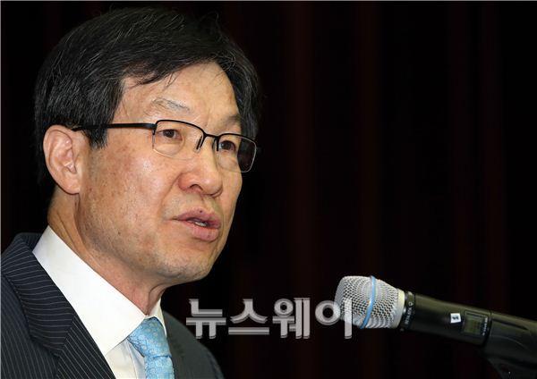 권오준 포스코 회장, '신용등급 A' 회복에 올인하는 까닭은?