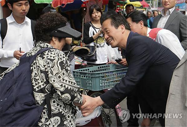정몽준, 선거 첫 주말 강북권 표심공략 주력