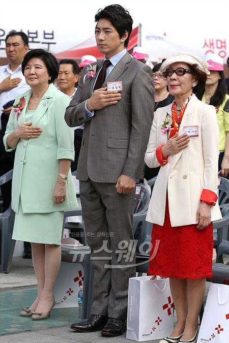 '세계 헌혈자의 날' 홍보대사 송일국