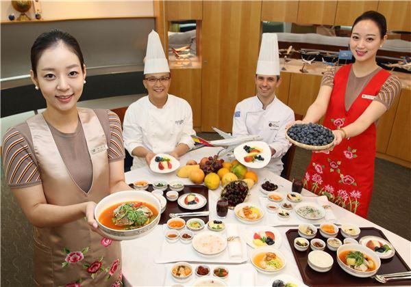 아시아나항공, 국제선 승객 기내식에 여름 보양식 제공