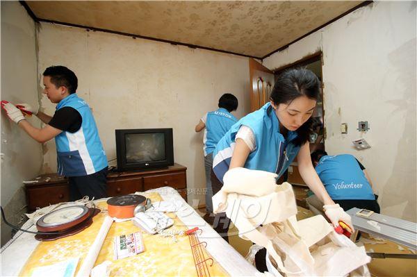 대우건설, 마포구 독거노인 주거환경개선 봉사활동 나서