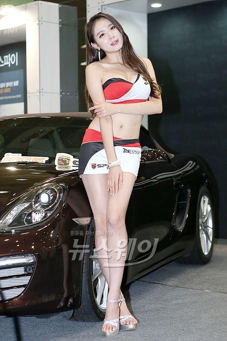 '2014 서울오토살롱' 비키니 스타일의 레이싱 모델