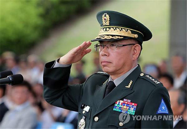 육군본부 인사참모부장 교체 인사 하루만에 번복 논란