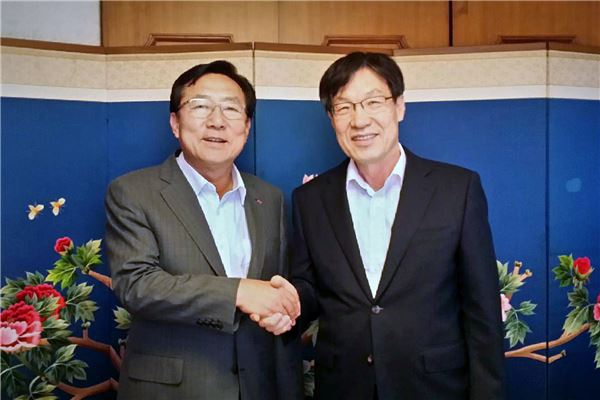 김기문 중기중앙회장과 만난 권오준 포스코 회장